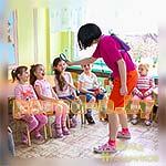 Аниматор Даша-Следопыт знакомится с детьми