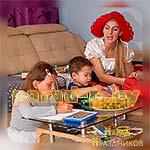 Дети выполняют задание Аниматора Красной Шапочки